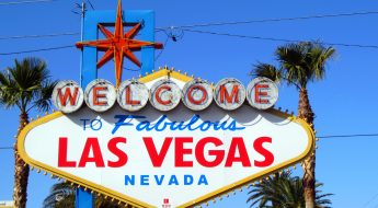 Las Vegas Sign by Jenni Konrad - https://flic.kr/p/bkYr3U